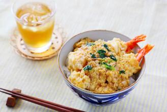 免開火吃海老丼!日本新開發「沖泡炸蝦丼飯」颱風天在家也可以爽吃炸蝦玉子丼~